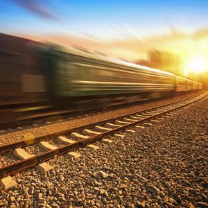 铁路迎返校客流高峰 成都局日均增开临客90余趟次