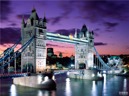 伦敦塔桥是从英国伦敦泰晤士河口算起的第一座