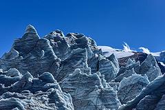 """西藏""""40冰川""""形态各异震撼人心"""