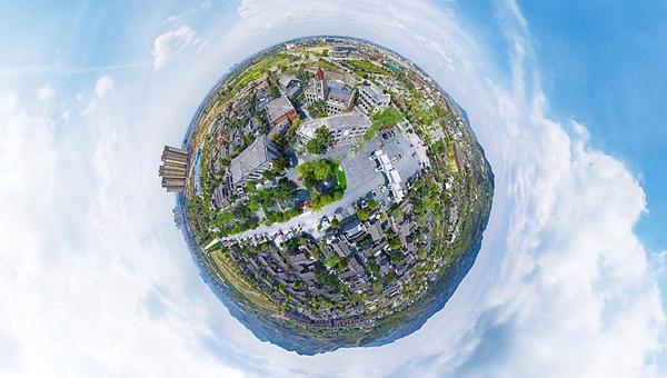 新華網VR|四川45個特色小鎮在這裏,新華網無人機帶你空中盡覽