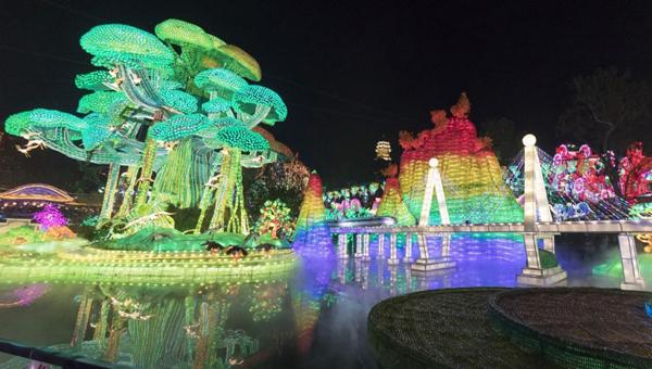 新华网VR|自贡搞了个大新闻,太亮了!