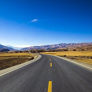 甘孜州升级国省干道沿线基础设施 年内建77个旅游综合服务区