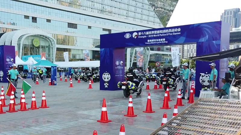新華網視頻|世警會警用摩托車技能賽 上演速度與激情