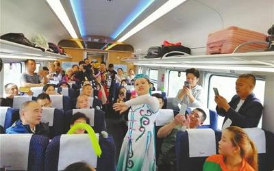 成都到西宁首开直达动车 全程用时10小时13分,较普速列车快5个小时