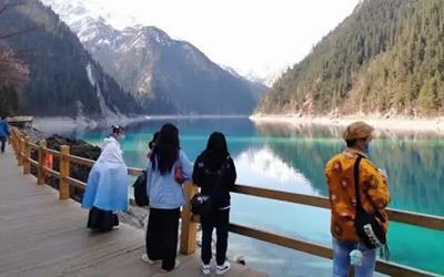 四川省所有開放景區均實行錯峰開放、限量開放、預約開放、有序開放