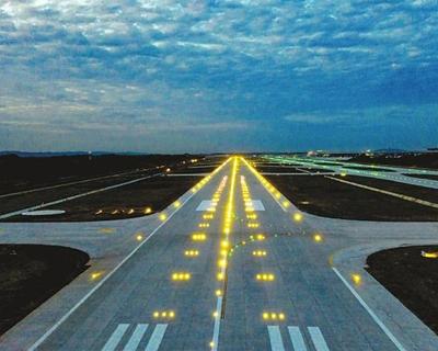 最高等級跑道通過預驗收 成都天府國際機場將年底試飛