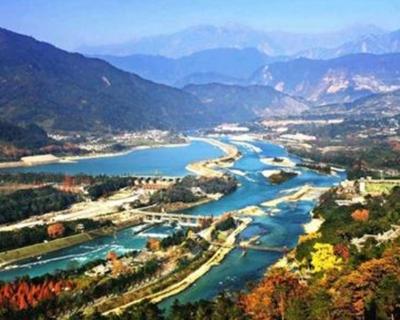 """""""十一""""遊客量較""""五一""""增六成 川內景區迎客超200萬人次"""