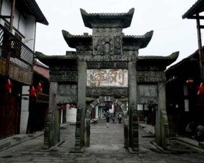 熊貓社區小鎮故事|探尋紅色記憶與歷史文化交織的石橋古鎮