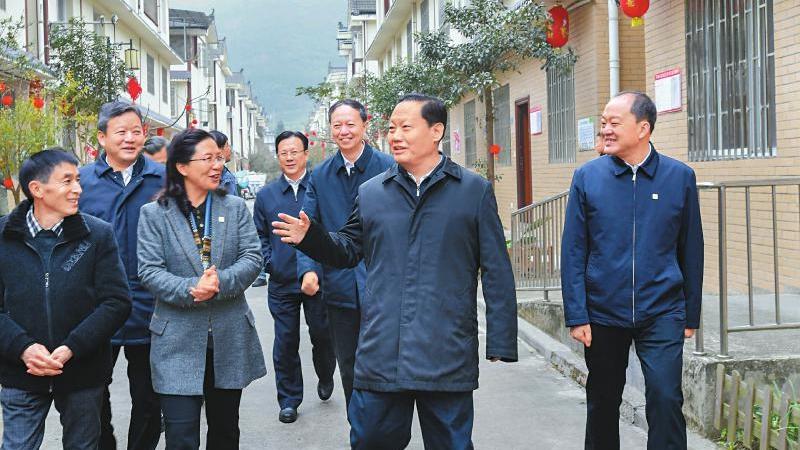 彭清華在雅安調研時強調 切實推動五中全會各項決策部署落到實處見到實效