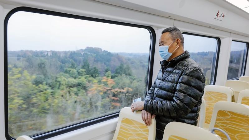 國社@四川|成都軌道交通5線齊開 運營總裏程突破500公裏