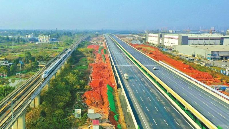 成都天府國際機場高速公路主線建成