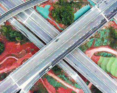 """四川高速公路通車裏程突破8000公裏 由點及面 三個維度看""""8000"""""""